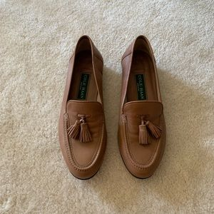 Cole Haan Shoes - Cole Haan tan leather tassel loafers made in Italy